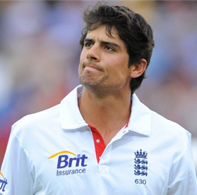 Alastair Cook hits a fine century to give England the edge in first cricket Test