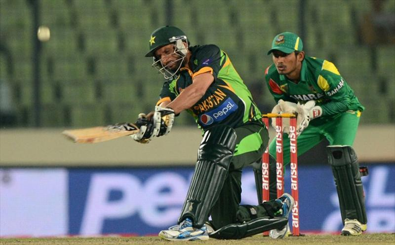Afridi carries Pakistan to Asia Cup final