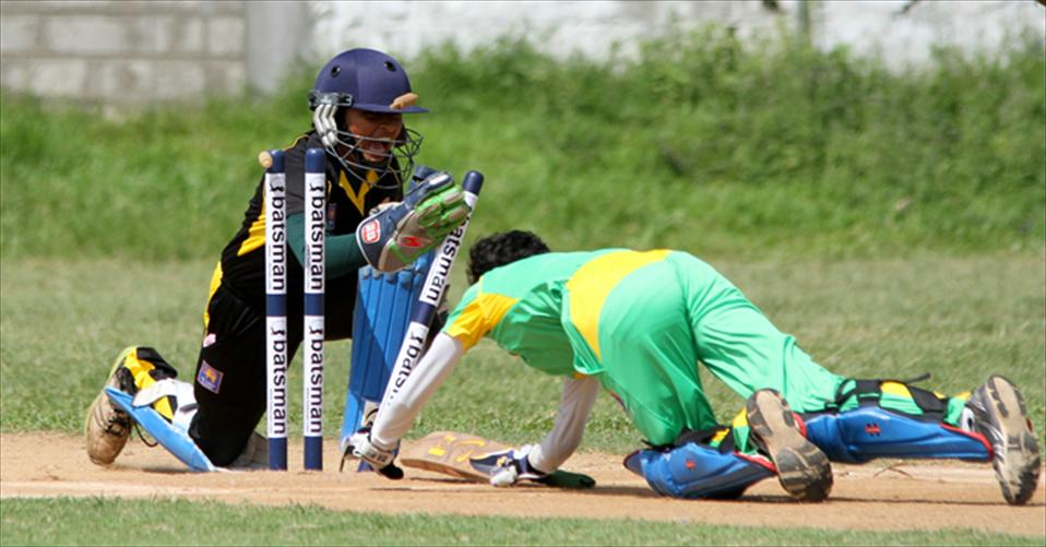 Anula & Devapathiraja win semies with ease