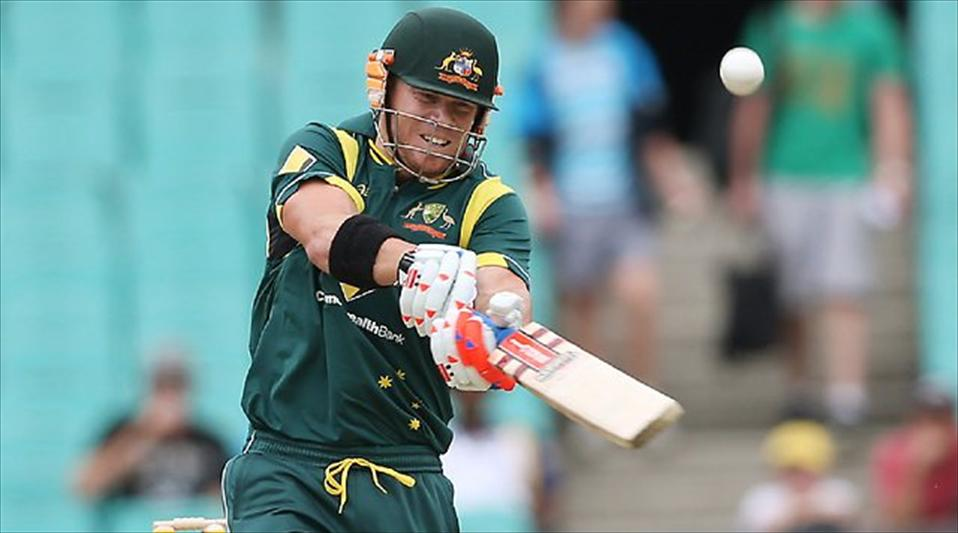Aussies trounce England in the series opener