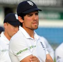 Botham leads call for Alastair to quit
