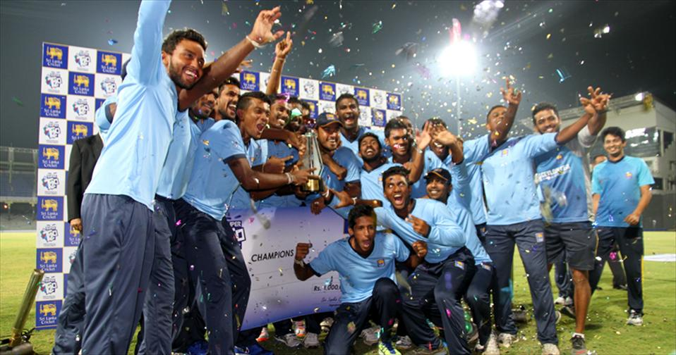 Commandos lift SLC Super T20 Crown