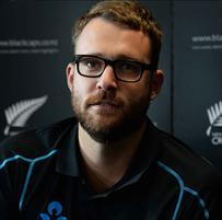 Daniel Vettori announces retirement