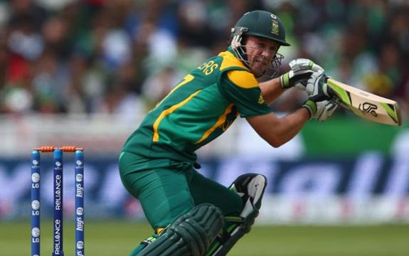 De Villiers century leads SA to victory