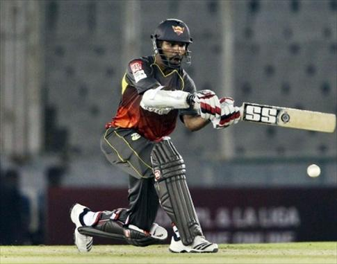 Dhawan pilots Sunrisers to victory