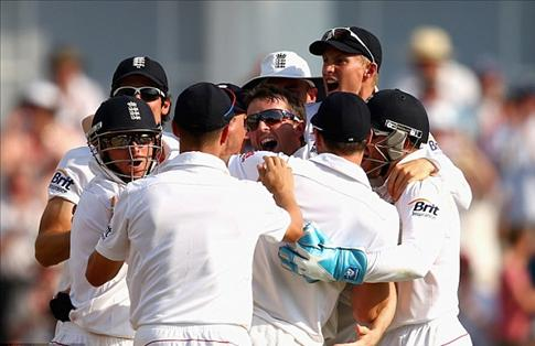 England beat Australia in 1st Ashes test