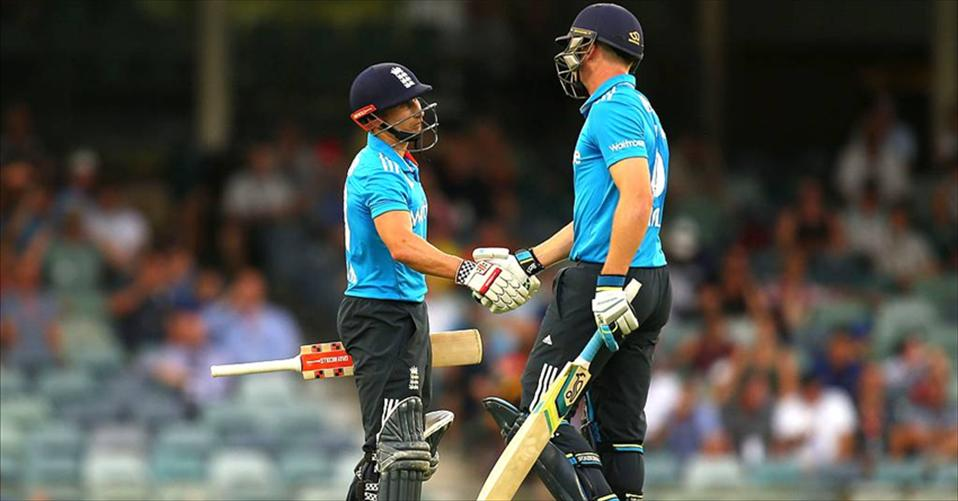 India go winless, England to finals