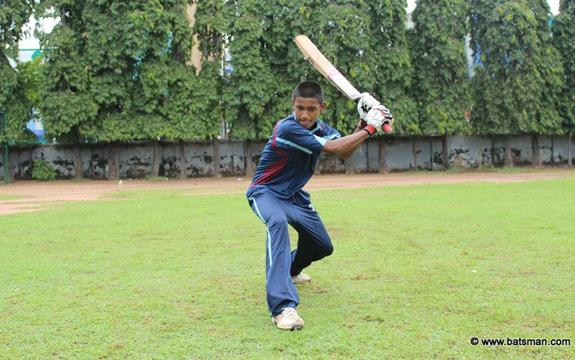 Kanishka Uggalpaya slams his maiden 1st XI century