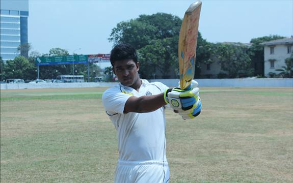 Kavinda shines as Peters win on 1st innings