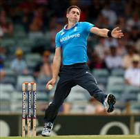 Knee surgery rules Woakes out of New Zealand series