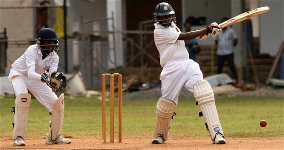 Mahinda claim 1st ings. points beating St.Peters