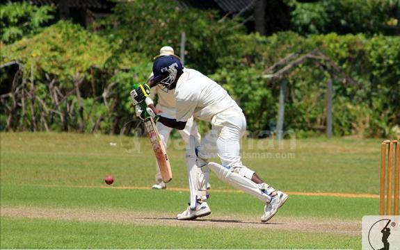 Mahinda register a first innings win