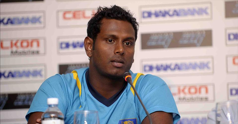 Mathews moans lack of first innings effort