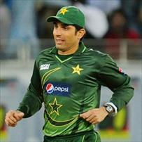 Misbah lets rip at critical former players