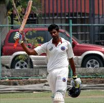 Mubarak cross 1000 runs mark for the season