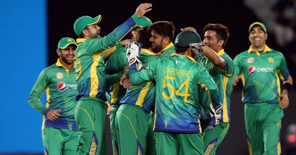 Pakistan gain ascendancy in a solid team effort