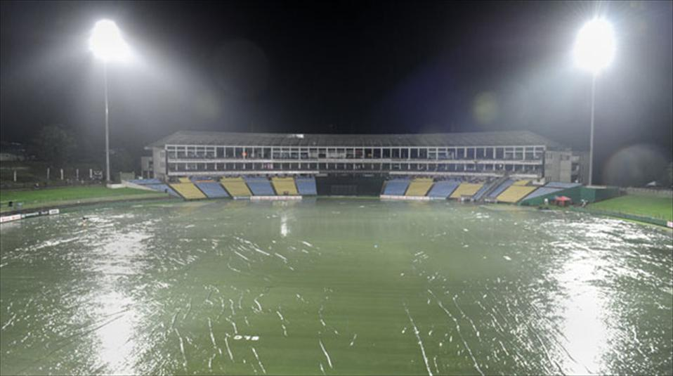 Rain extends Half-played 5th ODI till reserve-day