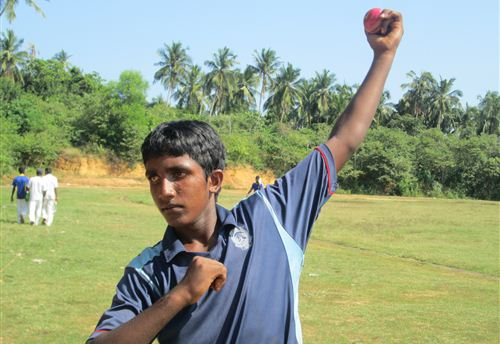 Roshen takes 100 wickets