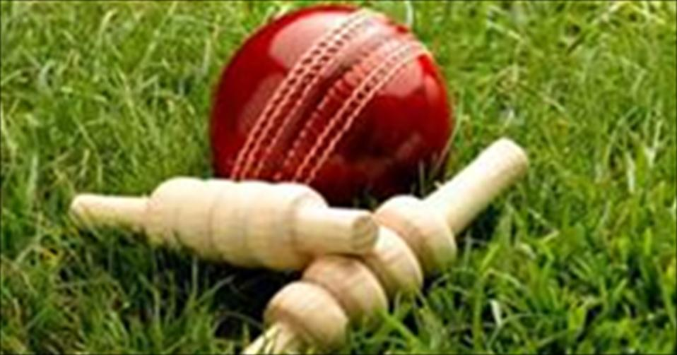 Royal surge to their second successive innings-win in two days