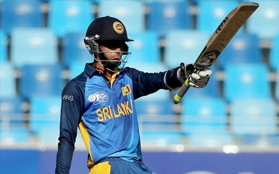 Sadeera, Thilaksha and Anuk guide SL U19s