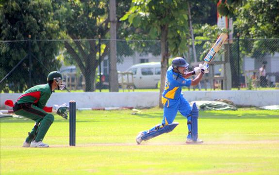 Spinners dominate as both team register victories