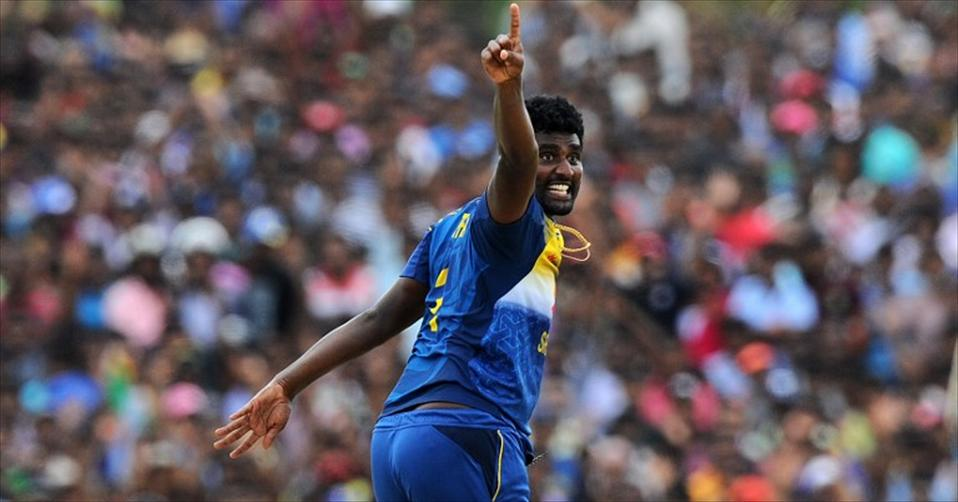 Sri Lanka thrash Pakistan as seamers dominate