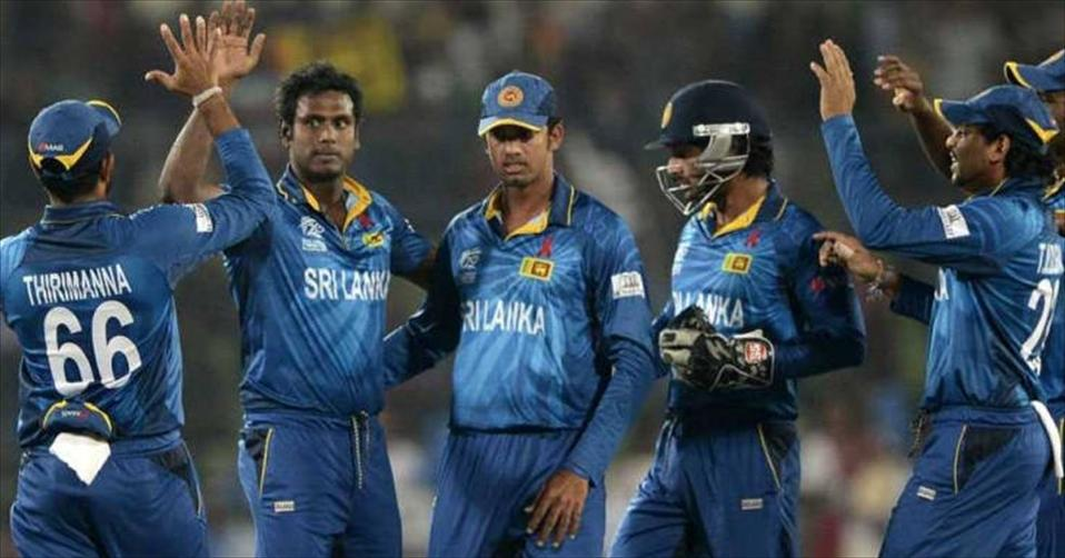 Sri Lanka to go with bowling change