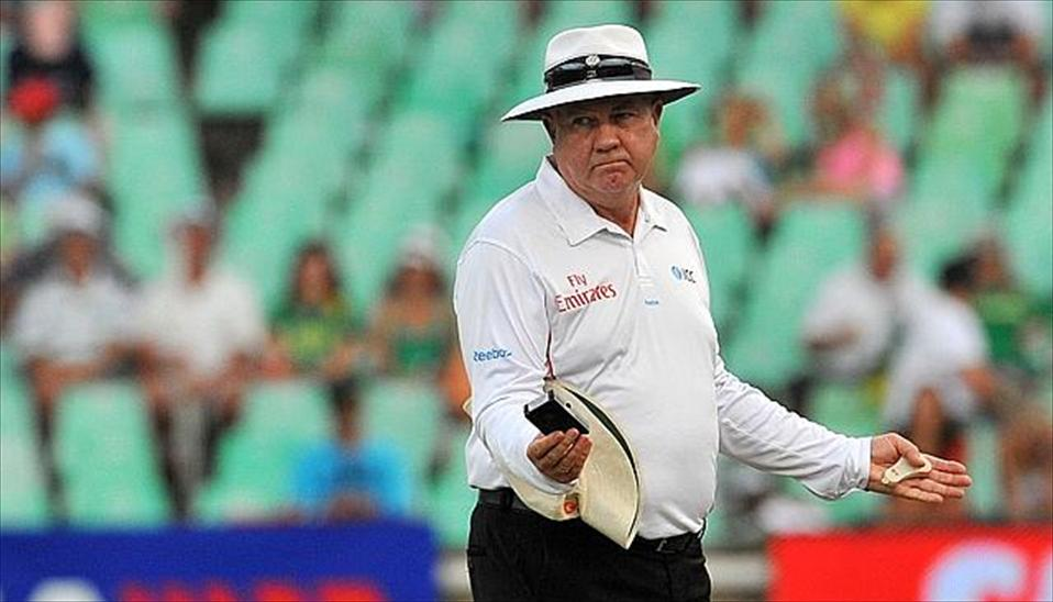 Umpire Steve Davis retires after 25-year career