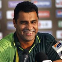 We wont put Ajmal under pressure Says Waqar