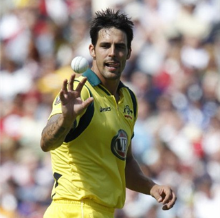 Australia fast bowler Mitchell Johnson says Barmy Army heckling in Ashes defeats dented his confidence