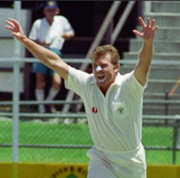 Former Pakistan pace man Younis applies to replace Australia's bowling coach Craig