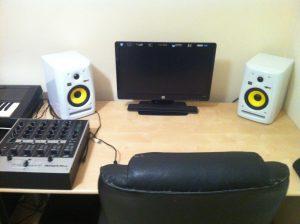 studio-equipment-3