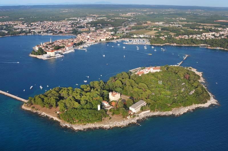 Luftaufnahme - Istrien - Insel vor Porec