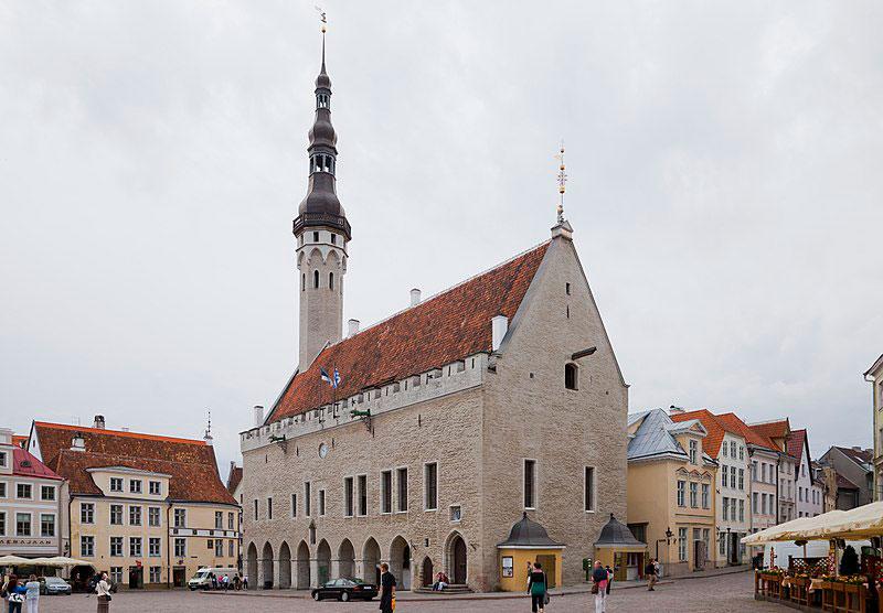 Plaza del Ayuntamiento de Tallin, Estonia