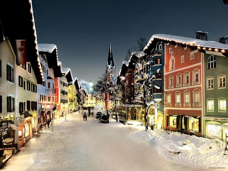 Pueblo de Kitzbuehel, Austria