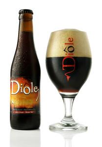Diôle Brune beer