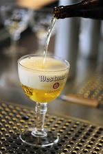 Westmalle Tripel, Glass, Poured from bottle
