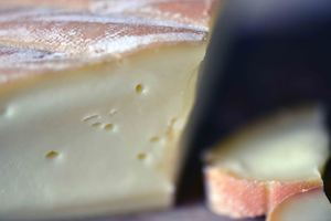 Chimay à la Bleue, Chimay, Belgian Cheese