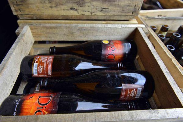 Wooden beer crates, Brasserie des Carrières