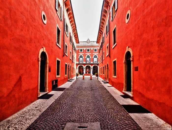 Stunning Red Palazzo, San Zeno, Verona