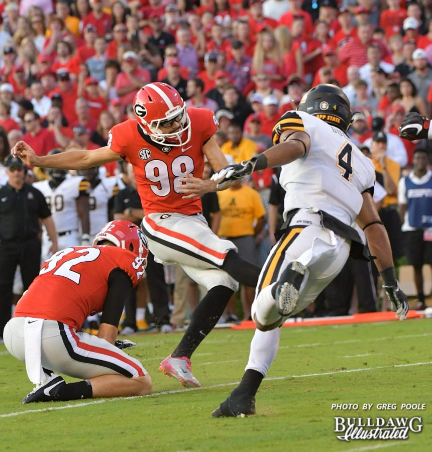 Rodrigo Blankenship (98) with the kick and Cameron Nizialek (92) with the hold - UGA vs. Appalachian State - Saturday, Sept. 2, 2017