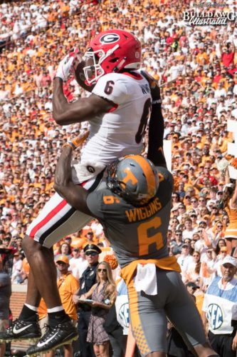 Javon Wims (6) hauls in the catch against former Bulldog Shaq Wiggens (6) - UGA vs. Tennessee - Saturday, Sept. 30, 2017
