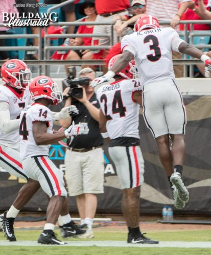Roquan Smith (3), Dominick Sanders (24), Malkom Parrish (14) and Lorenzo Carter(7) celebrate Sander's 3rd interception on the season.