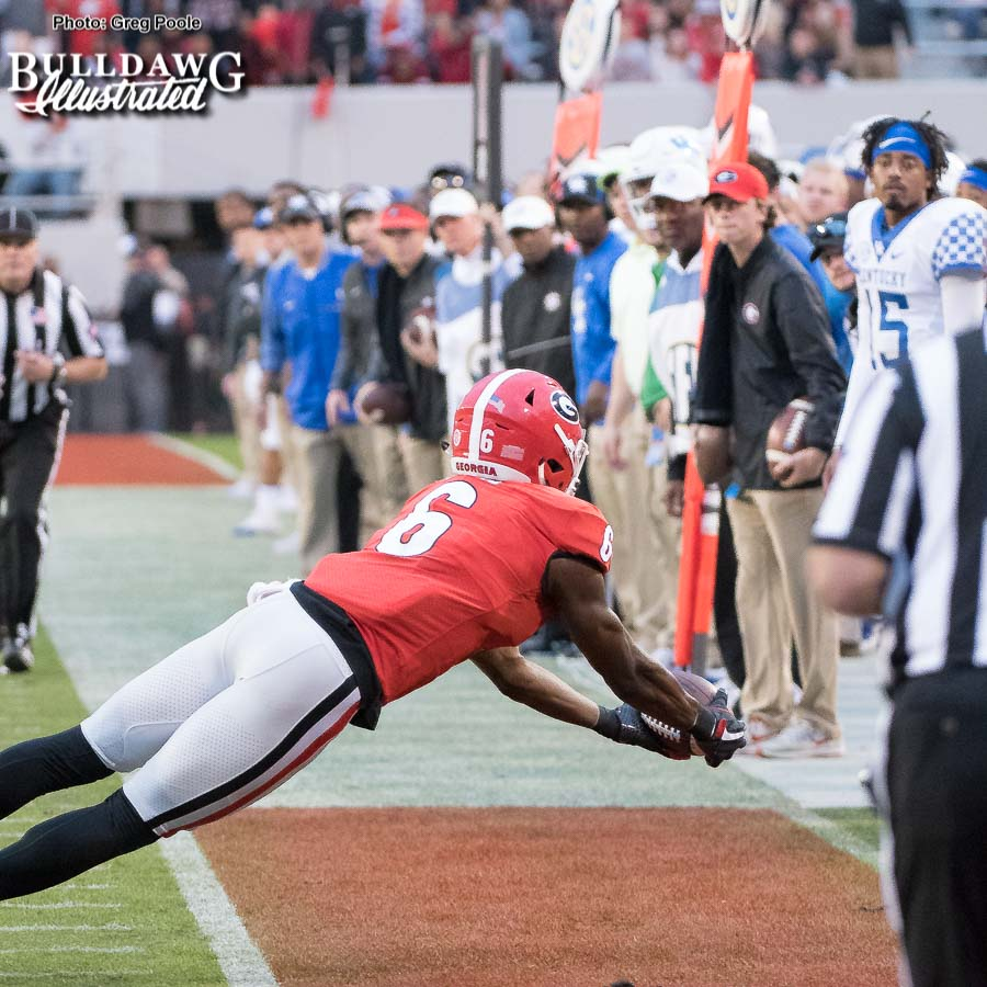 Although the replay official ruled it incomplete, this was an incredible effort by Javon Wims (6) who laid it all out and got both feet down inbounds. - Georgia vs. Kentucky - Saturday, Nov. 18, 2017