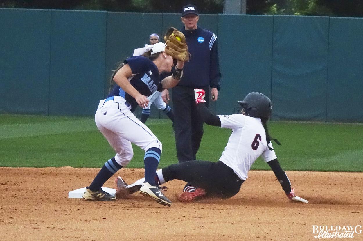Sydni Emanuel steals 2nd base