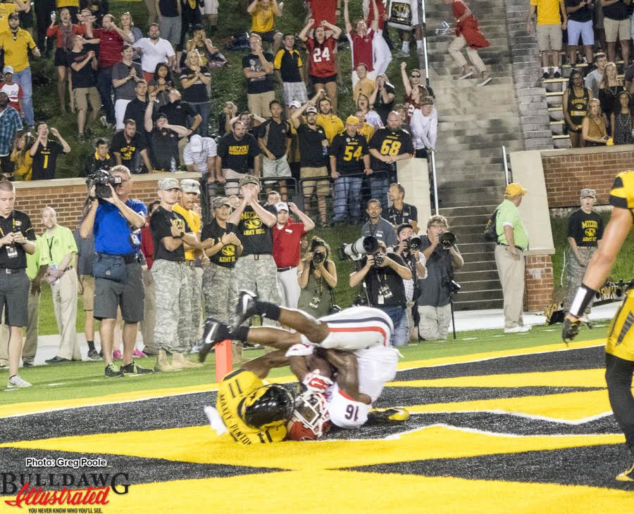Isaiah McKenzie (16) with the TD reception