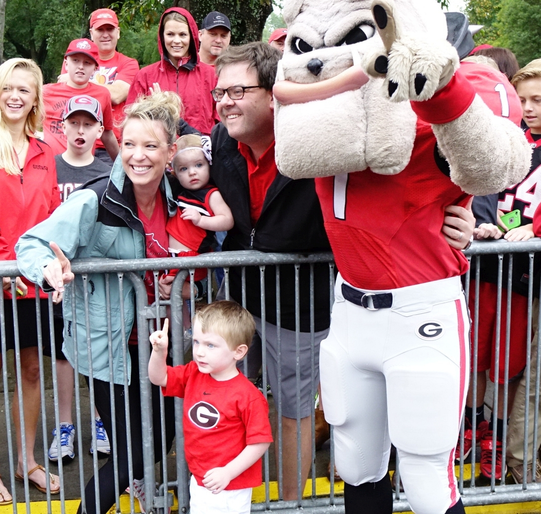 Dawg Walk Kids with Hairy Dawg (photo by Bulldawg Illustrated's Greg Poole)