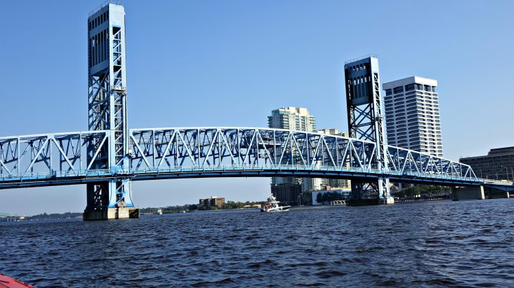 Main Street Bridge , Jacksonville, FL (Photo by Bulldawg Illustrated's Greg Poole)