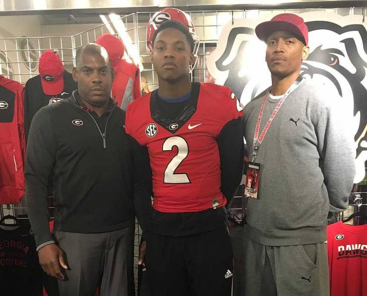 Lonnie Johnson Jr. (middle) on official visit to UGA on 10-Dec-2016 (photo from Lonnie Johnson Jr. / Twitter)