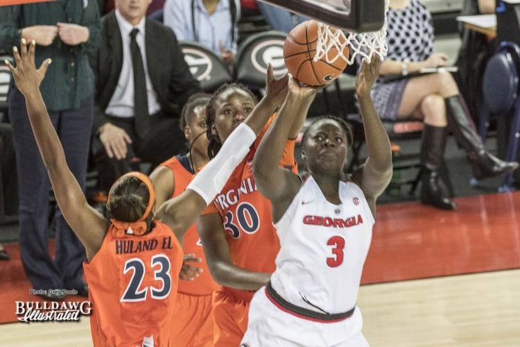 Stephanie Paul(3)  goes up for the shot.
